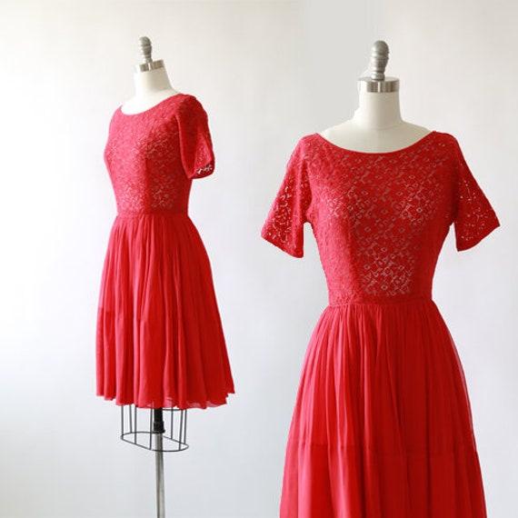 McKettrick crochet dress |  Vintage 50s crochet fl