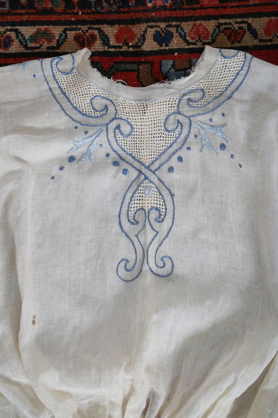 Antique 1900s Edwardian hand embroidered blue scr… - image 5