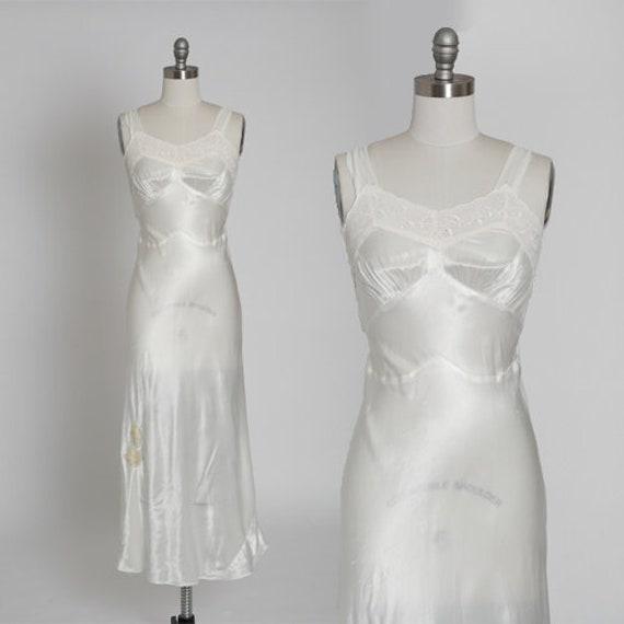 Vintage 40s vanity silk bias cut lace nightgown sl