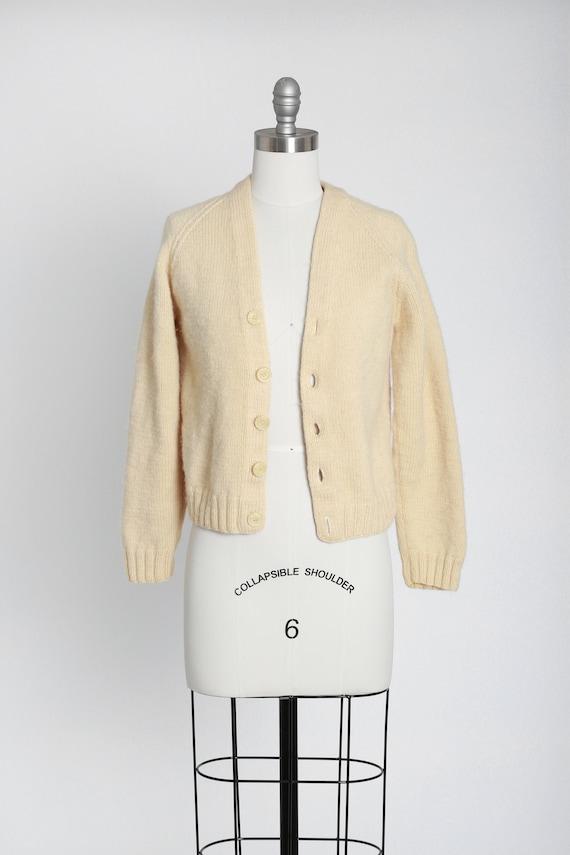 40s hand knit ivory wool cardigan - image 2