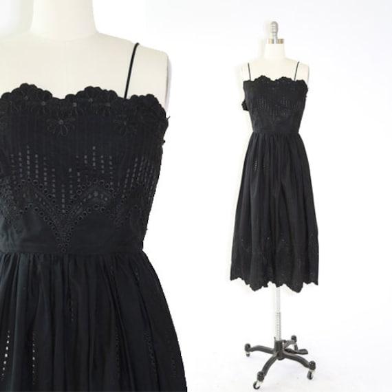 Vintage 50s floral embroidered eyelet cotton dress