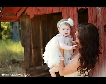 Ivory Lace Chiffon.. Baby Headbands.. Infant Headbands.. Baby Girl Headbands.. Infant Bows, Baby Bows, Newborn Headbands