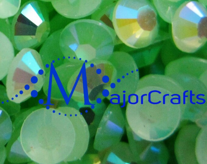 Light Green AB Flat Back Round Resin Rhinestones Embellishment Gems C51