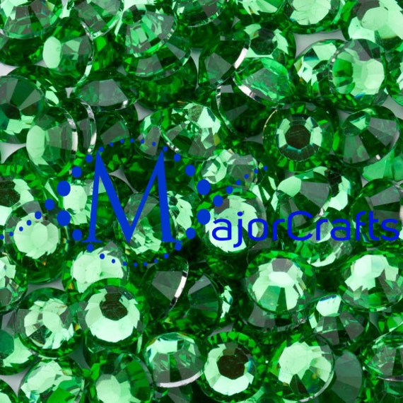 Forest Green Flat Back Round Resin Rhinestones Embellishment Gems C16