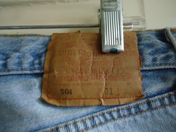 Vintage 90s LEVIS 501 Buttonfly Denim Jeans DISTR… - image 4