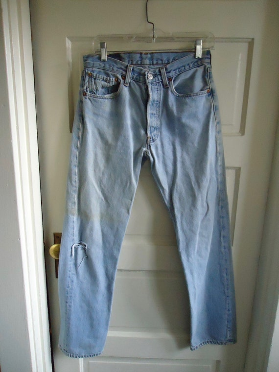 Vintage 90s LEVIS 501 Buttonfly Denim Jeans DISTR… - image 1