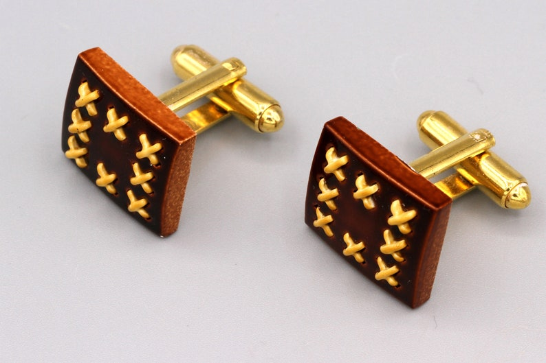 Leather And Gold Metal Cufflinks Dante Masterpieces Mens Fashion Jewelry Vintage 60s Cuff Links Cross Stitch Embroidery Tic Tac Toe Game