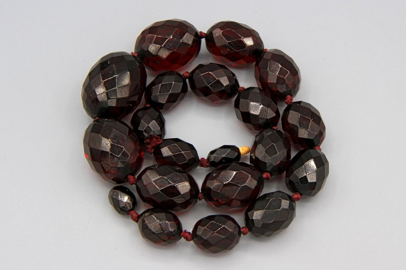 399e624044fd Art Deco Cherry Amber Bakelite Necklace Vintage 1940s