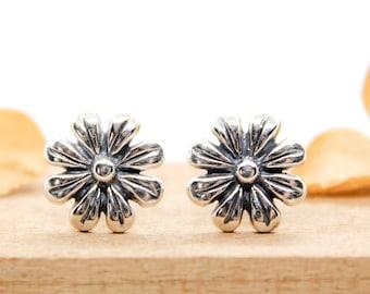 Silver Floral Earrings Small Flower Stud Earrings Botanical Daisy Earrings Nature Plant Lover Gift Everyday Simple Dainty Stud Earrings