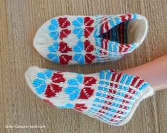 Turkish Anatolian hand knitted women/'s burgundy and pistachio green colour warm socks.