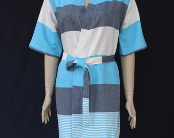 0f22763713fe87 Schwarz und Türkis gestreift weiche leichte Baumwolle Damen Kimono  Bademantel, Morgenmantel, Strand vertuschen, Spa-Gewand.