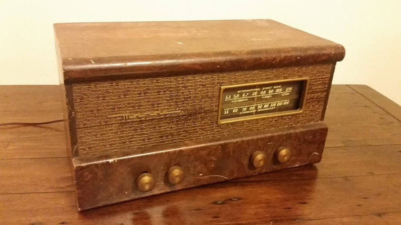 Vintage 1940's Motorola Short Wave Tube Radio Receiver 65T21 Working  Condition