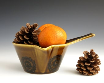 Stavangerflint Sera Butter Warmer - Inger Waage Design - Scandinavian Pottery - Stavangerflint Norway - Ildfast Serving Dish Norway 2018/1