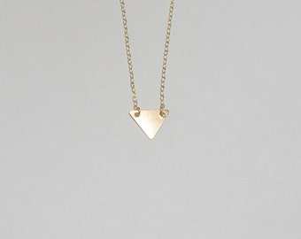 14k gold triangle necklace