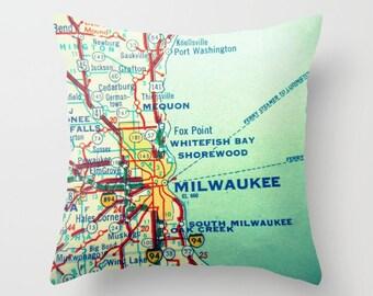 Custom Wisconsin Pillow Cover, Wisconsin Home Custom WI Map Throw Pillow Covers 18x18  Wisconsin Gifts  Milwaukee Wisconsin Pillow Green Bay
