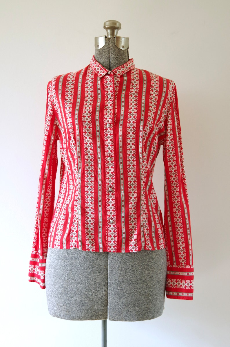GG Perfecta Red-Orange Green and White Button Down Blouse w Floral Metal Buttons Size 42 Made in Austria