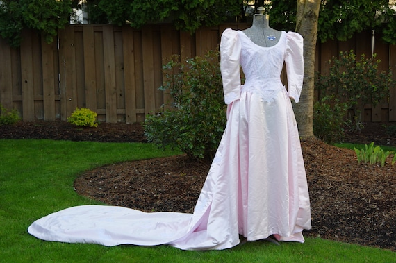 Vintage Pale Pink Wedding Dress with Lace Detailin