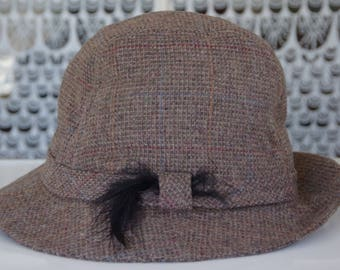 Vintage Thinsulate Trilby Fedora Hat w/ Feather