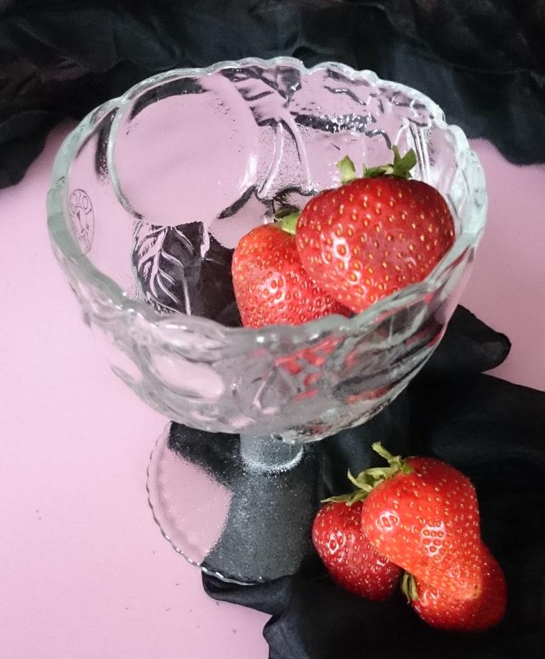 Grapefruit Dishes Footed Dessert Bowls Toscany USA Embossed Fruit Goblets Pedestal Bowl Set of 4 Footed Fruit Bowls Grapefruit Bowls