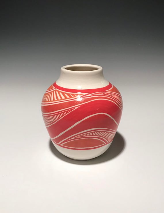 Red wave pot
