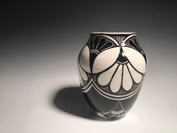 Art Deco pot