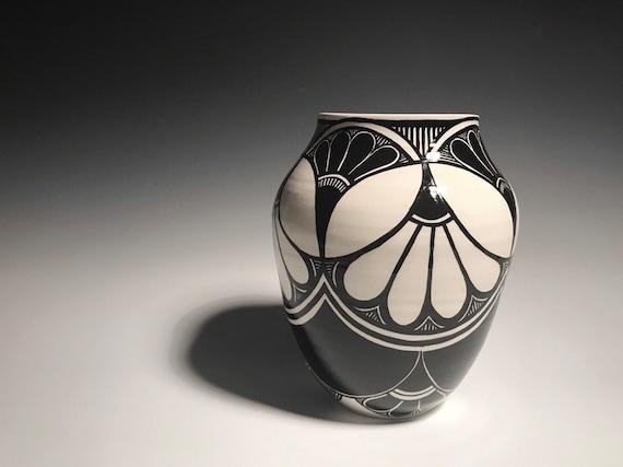 Petal pot - number 104