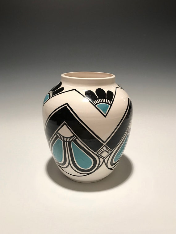 Zig zag pot with turquoise