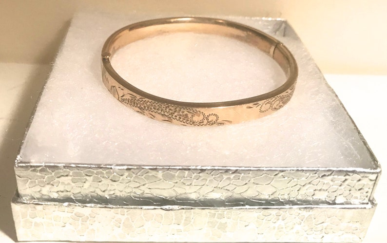 Sale Antique Victorian Signed CARL ART 12KT G F Floral Hinged Hand Engraved Bangle Bracelet Blank Monogram Jewelry