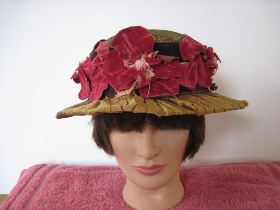 A remarkable 1930's hat