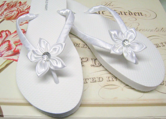 593cff3e491d White Floral Bridal Flip Flops   Bridesmaid Bridal Shower