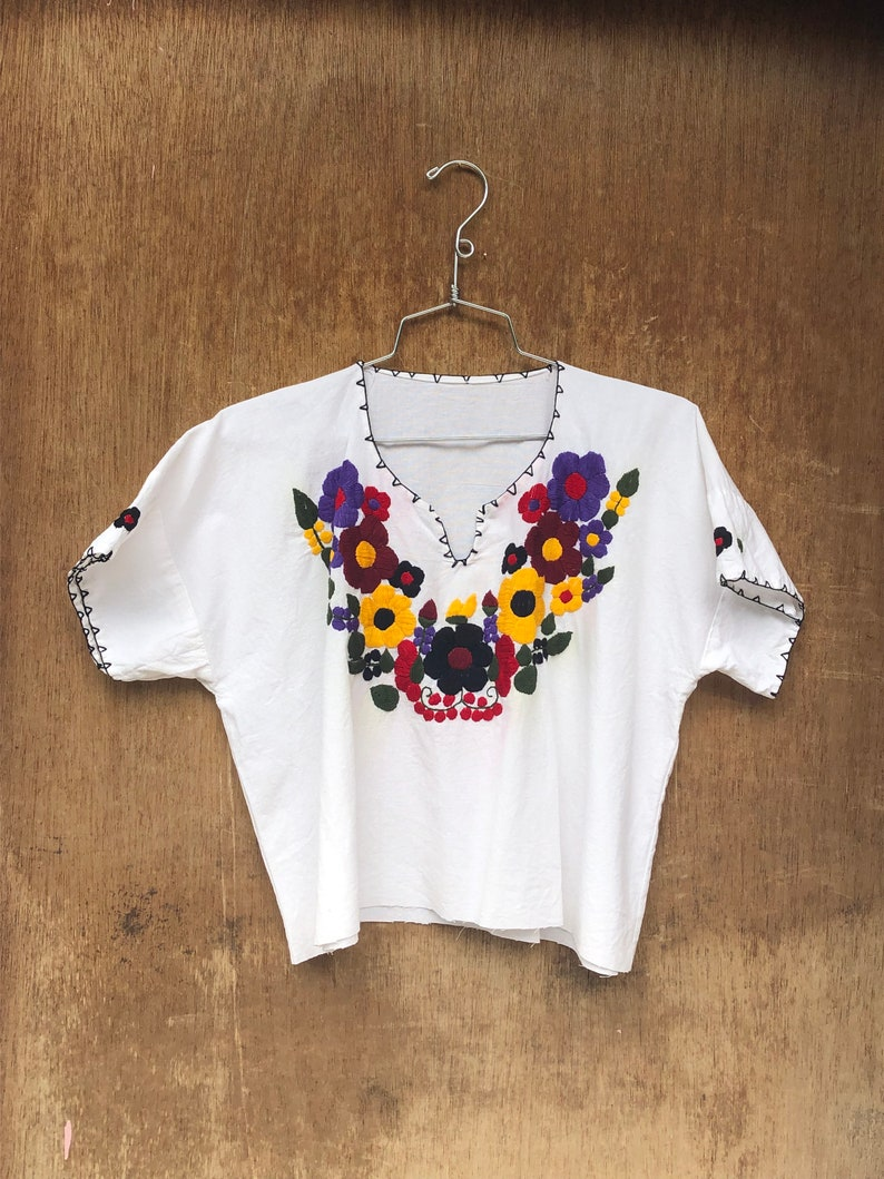 Vintage Mexican Embroidered Floral Short Sleeve Cropped Cotton image 0