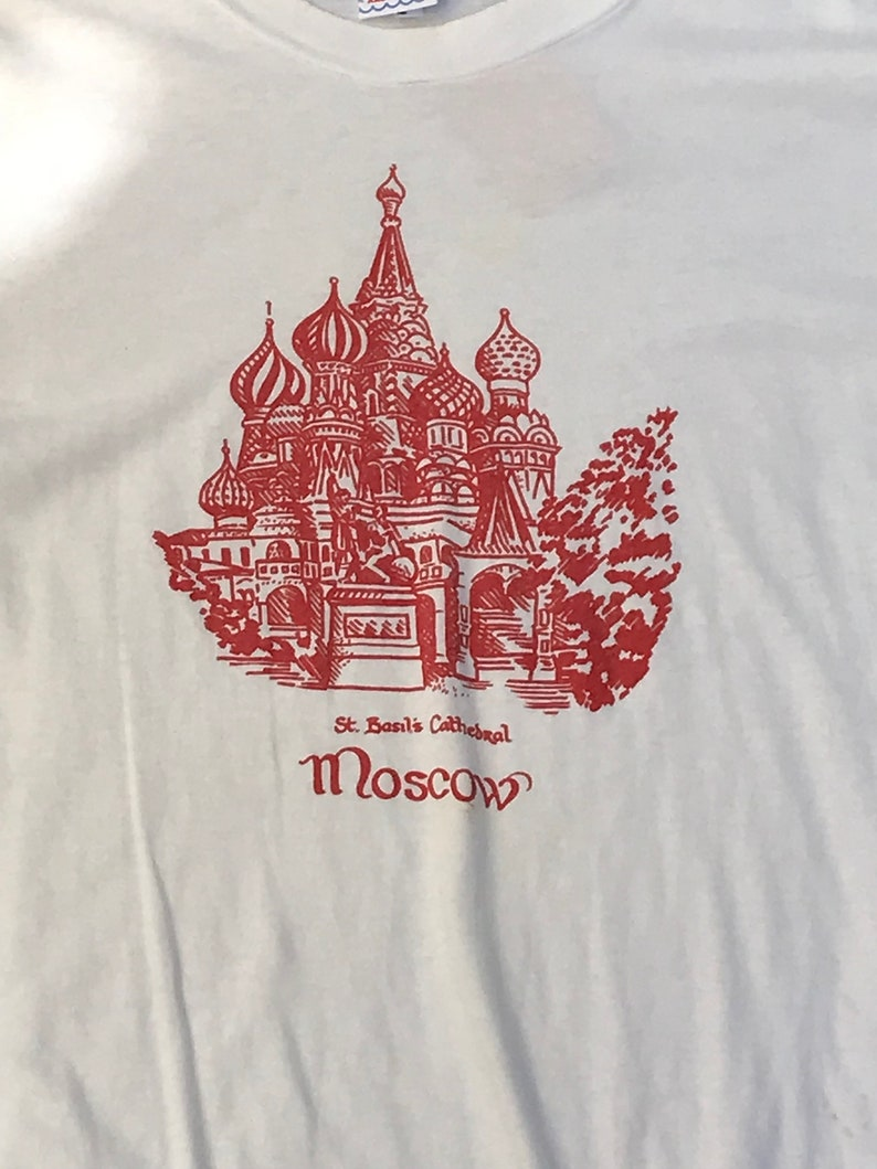 Vintage Moscow St. Basil's Cathedral Graphic T-Shirt image 0