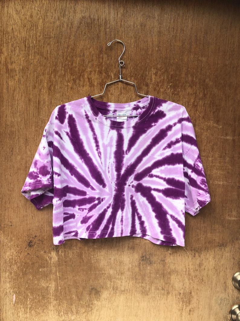 Vintage Single Color Tie Dye Purple Spiral Cropped T-Shirt image 0