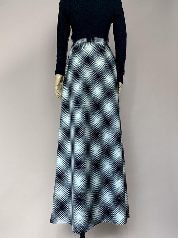 Vtg 50s Koret Long Black and White Plaid Skirt / … - image 4