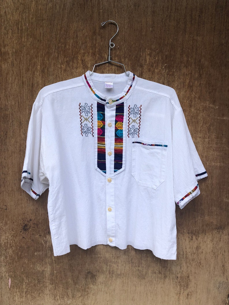 Vintage Ecuadorian Embroidered Traditional Button Down Cotton image 0