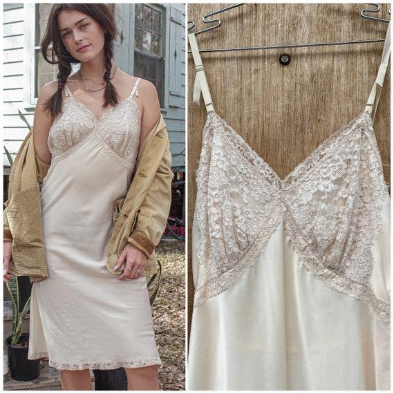 Vtg 60s Ivory Lace Slip Dress /Nightgown / Romanti