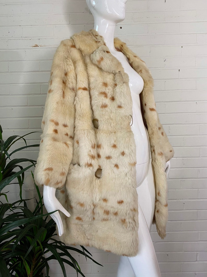 Vintage Blond Spotted Fur Coat / Double Breasted White Beige image 0