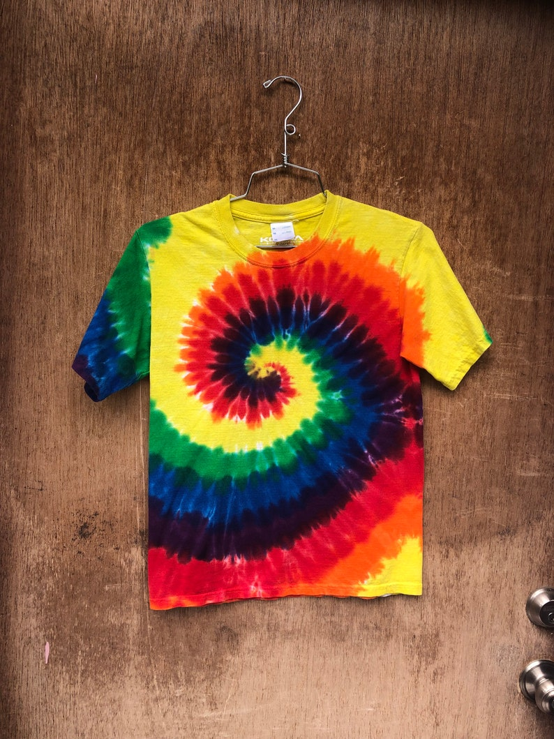 Vintage Spiral Tie Dye Classic Elementary Color Cotton T-Shirt image 0