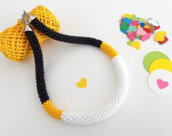 Black and White Necklace // Yellow Beaded Rope Necklace // Summer Jewelry // White Crochet Necklace // Statement Necklace // For Her