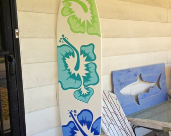 Great 6 Foot Surfboard Wall Art In White With Three Large Hibiscus Flowers Decor  Sign