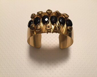 Cuff bracelet. Onyx Beaded Wired Wrapped Cuff Bracelet. Black and Brass Bracelet. Boho Jewelry. Chic. Wire wrap bracelet. Sugarplum Gallery.