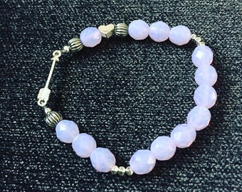 Stretch bracelet. Purple beaded bracelet. Arrow and Heart Bracelet. Love Bracelet. Lilac bracelet. Purple bracelet. Sugarplum Gallery.