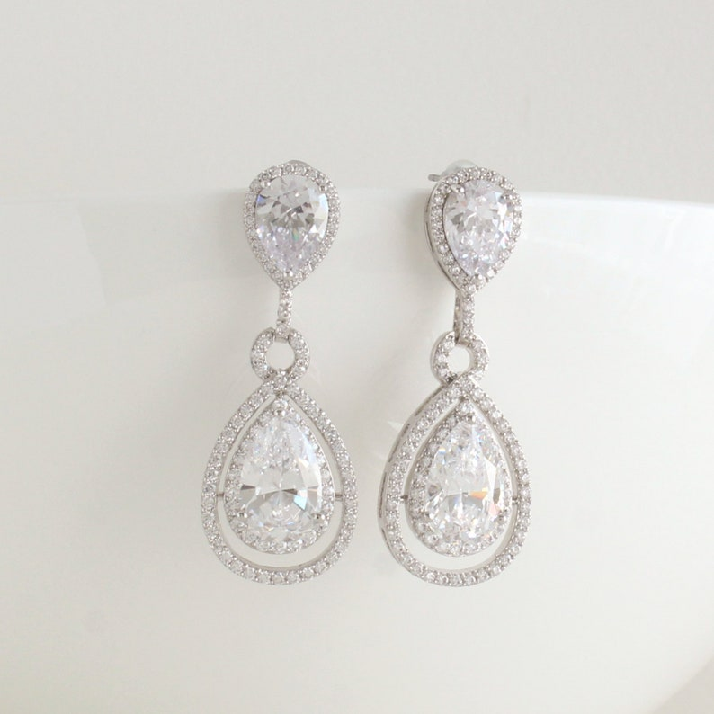 Stunning Vintage Bridal Formal Pearl Crystal Tear Drop Dangle Statement Earrings