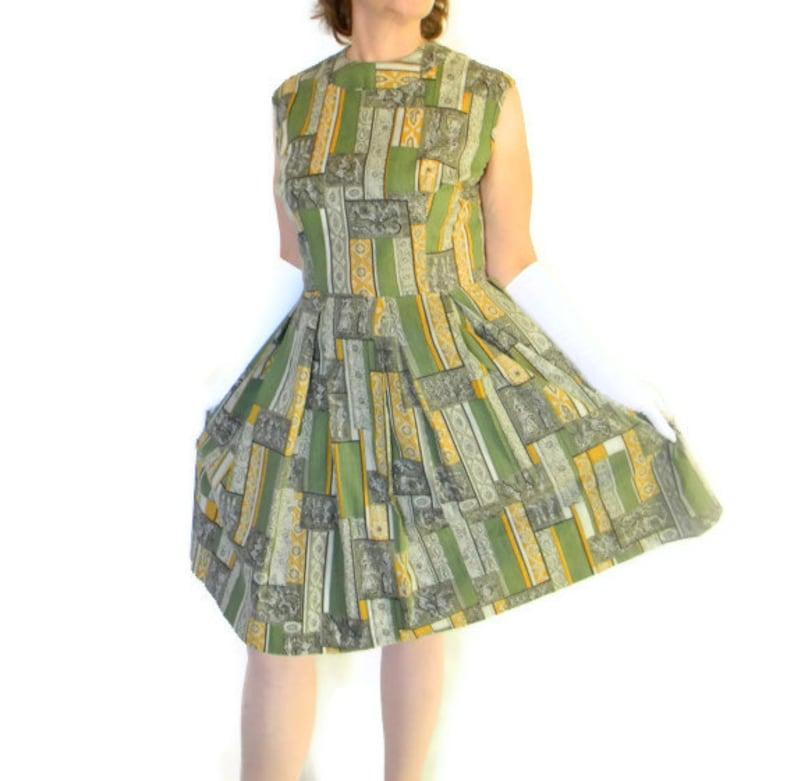484dc2c547ae5 60s green dress. Vintage pleated dress. Sleeveless dress. Size Large. Green  yellow grey. Paisley print. Mad Men fashion. Patchwork print