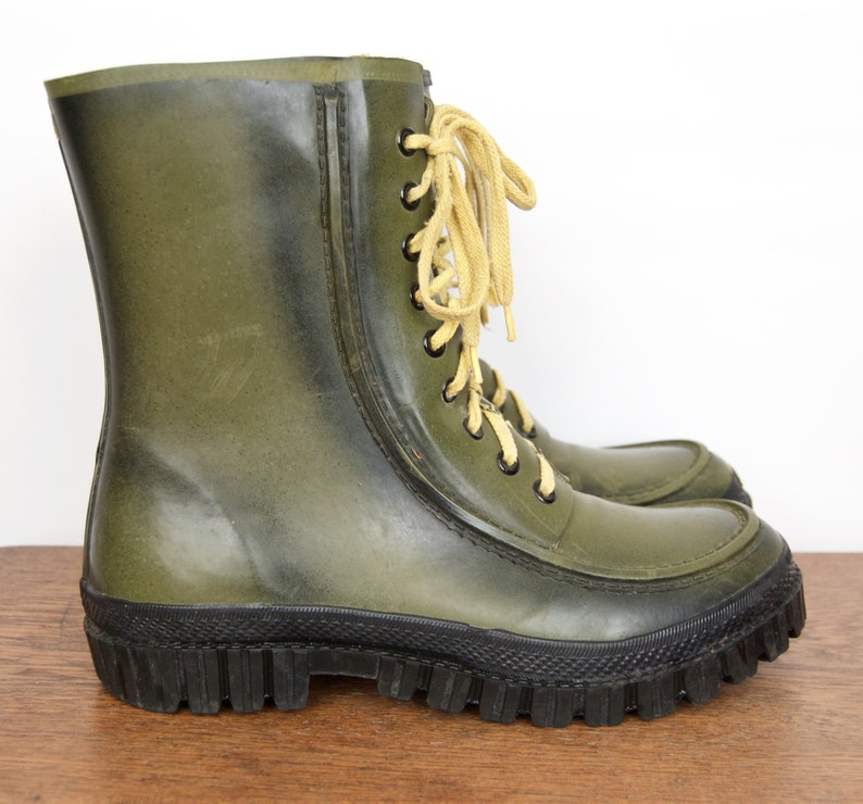 585a671fa11 Vintage Rubber Work Boots with steel shank soles / The Setter army green,  black & yellow hunting books, rain boots / US Men's 11 / EUR 44