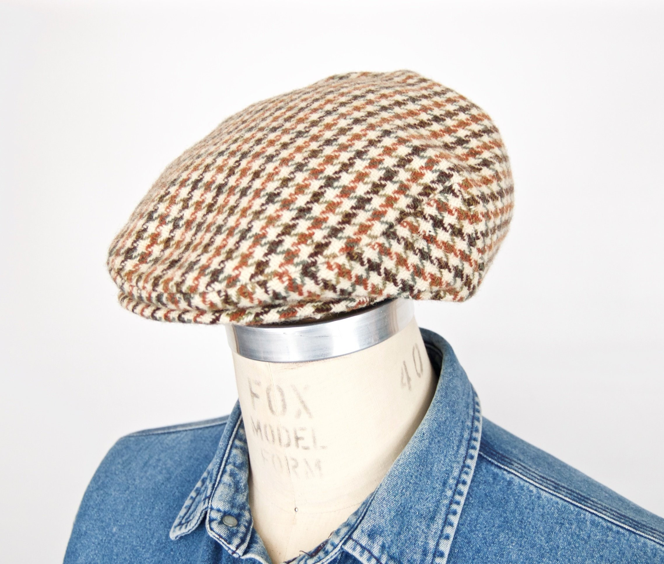 2f09a294e Harris Tweed Houndstooth Flat Cap / vintage English hounds tooth plaid wool  driving cap / Dunn&Co. men's tan khaki golfing hat / size medium
