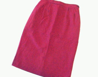 Vintage Pencil Skirt, Hot Pink and Black Houndstooth, Wool, Size 8/Medium
