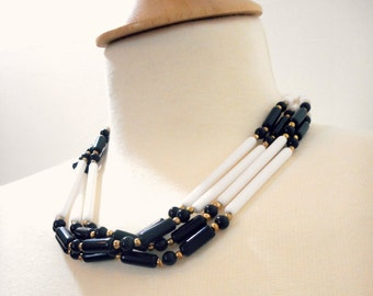 Vintage 1960s Black and White Beaded Necklace, Mod Bohemian
