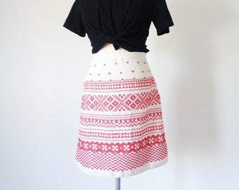 Vtg 90s EUROPEAN FOLK Embroidered A-Line Skirt! Small to Medium