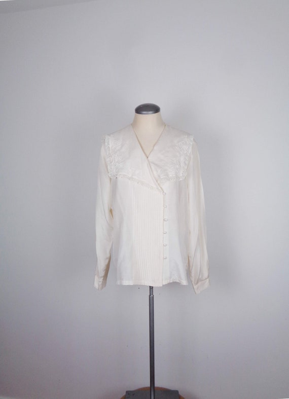 Vtg 80s Victorian LACE & EMBROIDERY Silk Blouse! M